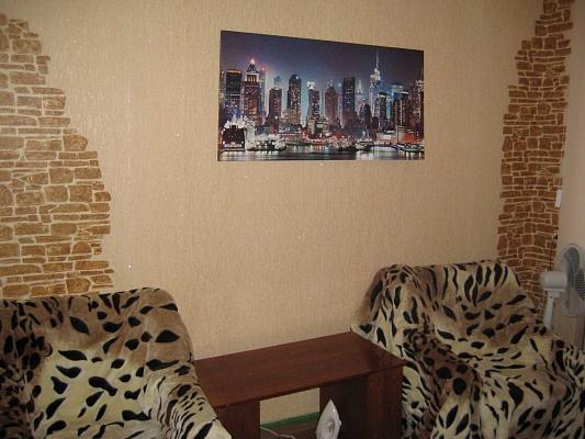 1-комнатная квартира посуточно в Херсоне. Днепровский район, пл. Свободы, 3. Фото 1