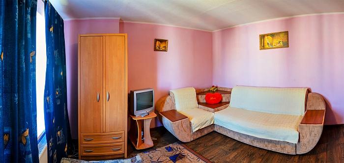1-комнатная квартира посуточно в Сумах. Ковпаковский район, ул. Ильинская, 39. Фото 1