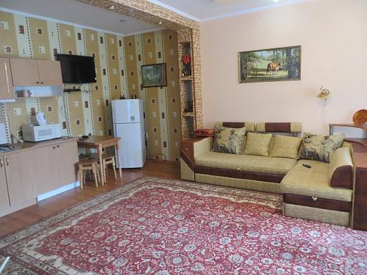 1-комнатная квартира посуточно в Партените. ул. Солнечная, 13а. Фото 1
