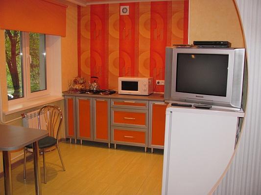2-комнатная квартира посуточно в Запорожье. Хортицкий район, ул. Лахтинская, 17. Фото 1