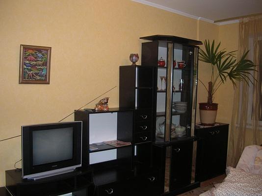 3-комнатная квартира посуточно в Виннице. Ленинский район, ул. Короленко, 35. Фото 1