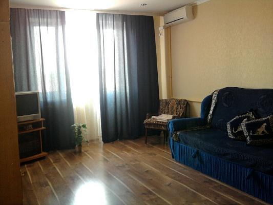 1-комнатная квартира посуточно в Евпатории. ул. Перекопская, 1. Фото 1