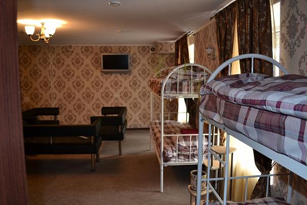 2-комнатная квартира посуточно в Северодонецке. пр. Центральный (Советский), 70. Фото 1