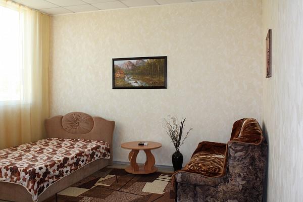 1-комнатная квартира посуточно в Севастополе. Гагаринский район, ул. Гагарина, 41 а. Фото 1