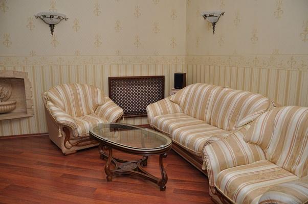 3-комнатная квартира посуточно в Одессе. Приморский район, ул. Маразлиевская, 14б. Фото 1