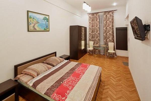 1-комнатная квартира посуточно в Львове. Лычаковский район, ул. Пекарская, 16. Фото 1