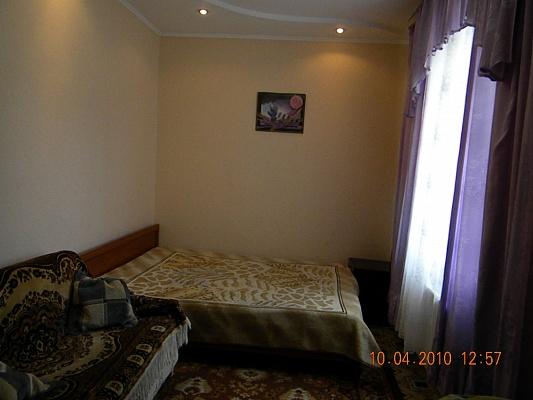 2-комнатная квартира посуточно в Сумах. Ковпаковский район, пер. Привольный, 33. Фото 1