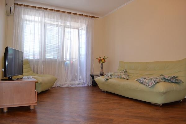 1-комнатная квартира посуточно в Ильичёвске. Пригород район, ул. 1 мая, 6Б. Фото 1