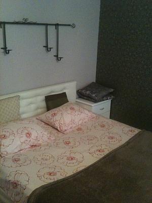 1-комнатная квартира посуточно в Запорожье. Коммунарский район, Чумаченко, 34. Фото 1