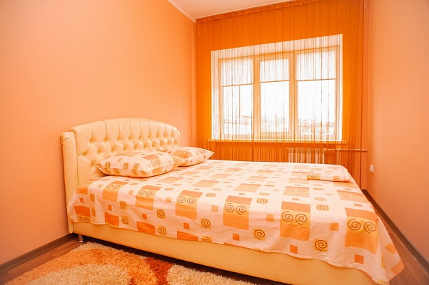 2-комнатная квартира посуточно в Черкассах. ул. О. Дашкевича, 30. Фото 1
