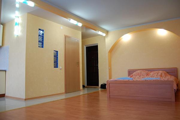 1-комнатная квартира посуточно в Луганске. Ленинский район, ул. Коцюбинского, 15. Фото 1
