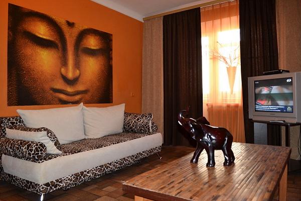 1-комнатная квартира посуточно в Чернигове. Деснянский район, пр-т Победы, 103. Фото 1