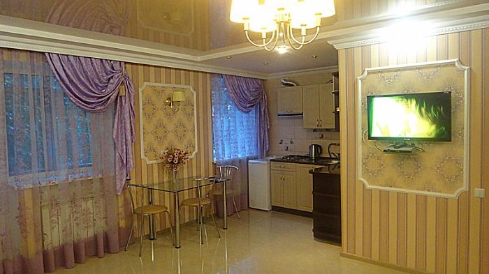 1-комнатная квартира посуточно в Днепропетровске. Октябрьский район, Карла Маркса, 4. Фото 1
