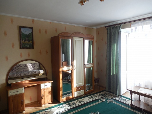 1-комнатная квартира посуточно в Трускавце. Трускавец, ул. Стебницкая ,, 72. Фото 1