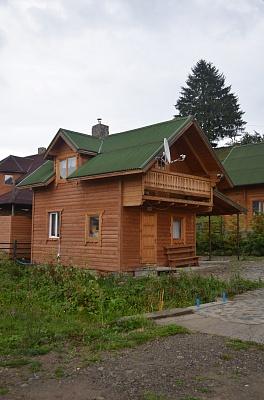 Дом  посуточно в Верховине. ул. Черновола, 2-А. Фото 1