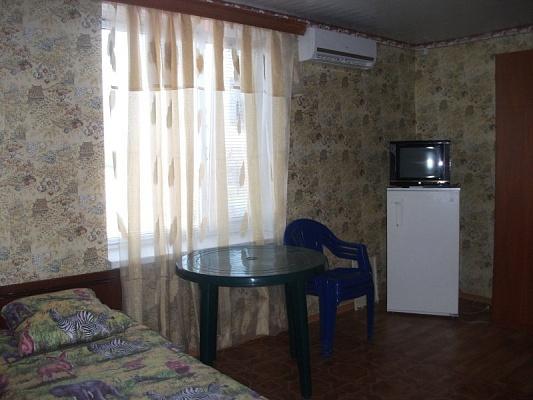 Мини-отель  посуточно в Новопетровке. ул. Степная, 41. Фото 1