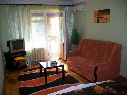1-комнатная квартира посуточно в Запорожье. Хортицкий район, ул. Новгородская, 20. Фото 1