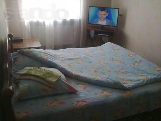 1-комнатная квартира посуточно в Новой Каховке. ул. Горького, 18. Фото 1