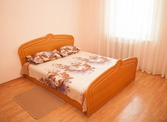 2-комнатная квартира посуточно в Киеве. Дарницкий район, ул. Урловская, 5. Фото 1