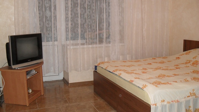 1-комнатная квартира посуточно в Сумах. Ковпаковский район, ул. Леваневского, 28. Фото 1