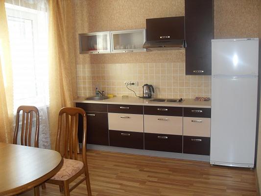 Дом  посуточно в Симферополе. Центральный район, ул. Севастопольская, 55. Фото 1