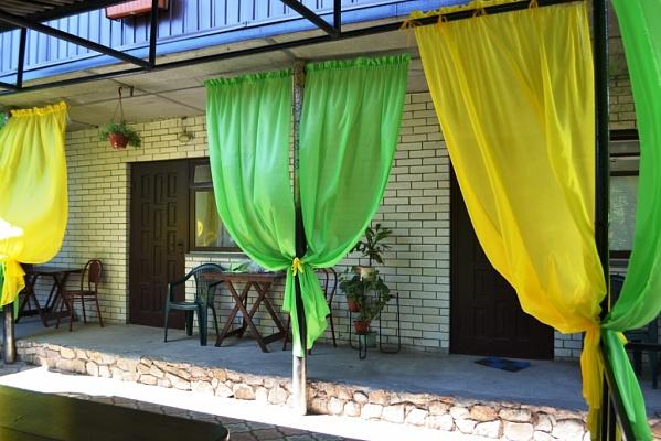 Мини-отель  посуточно в Бердянске. ул. Костычева, 30. Фото 1