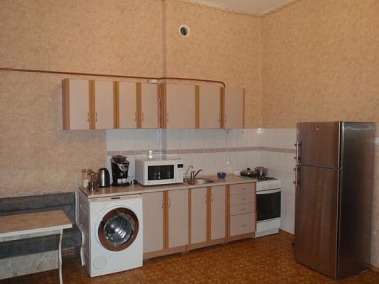 1-комнатная квартира посуточно в Феодосии. ул. 8 марта, 5. Фото 1