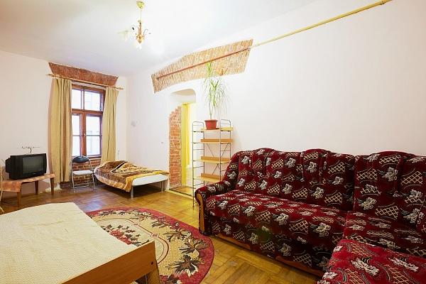 2-комнатная квартира посуточно в Львове. Галицкий район, Валовая, 16. Фото 1