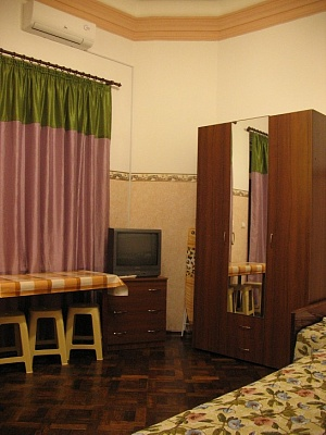 1-комнатная квартира посуточно в Евпатории. ул. Дёмышева, 24/1. Фото 1