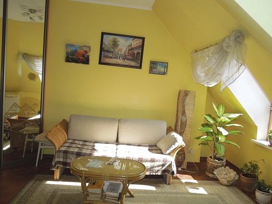 5-комнатная квартира посуточно в Одессе. Приморский район, ул. Среднефонтанская, 19 б. Фото 1