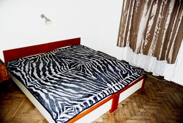 3-комнатная квартира посуточно в Львове. Франковский район, ул. Ефремова, 6. Фото 1