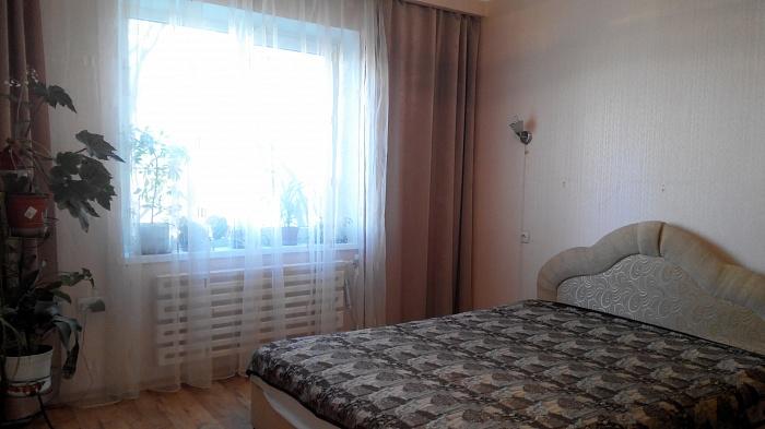 2-комнатная квартира посуточно в Днепропетровске. Бабушкинский район, Тополь 1, 15. Фото 1