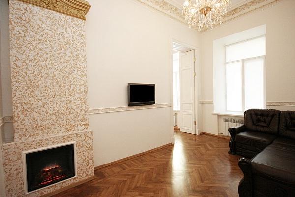 2-комнатная квартира посуточно в Одессе. Приморский район, ул. Гоголя, 14. Фото 1