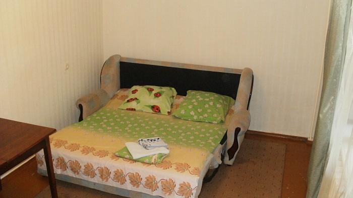 2-комнатная квартира посуточно в Полтаве. Киевский район, ул. Н.Левицкого. Фото 1