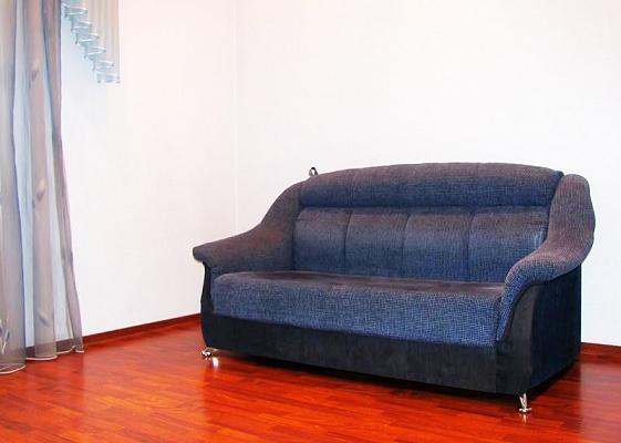 2-комнатная квартира посуточно в Луганске. Ленинский район, ул.Советская, 52. Фото 1