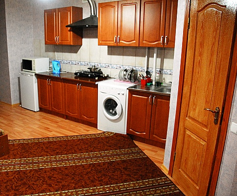 2-комнатная квартира посуточно в Ивано-Франковске. вул.Гарбарська. Фото 1