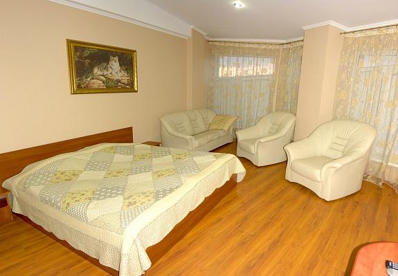 2-комнатная квартира посуточно в Трускавце. ул. Суховолья, 9. Фото 1