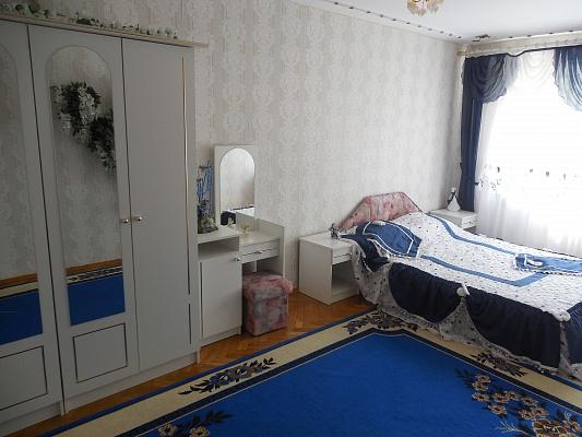 3-комнатная квартира посуточно в Трускавце. ул. Ивасюка, 1. Фото 1