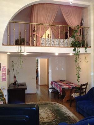 2-комнатная квартира посуточно в Одессе. Приморский район, переулок Некрасова, 4. Фото 1