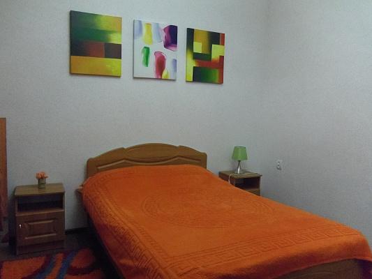 2-комнатная квартира посуточно в Керчи. ул. Айвазовского, 20. Фото 1
