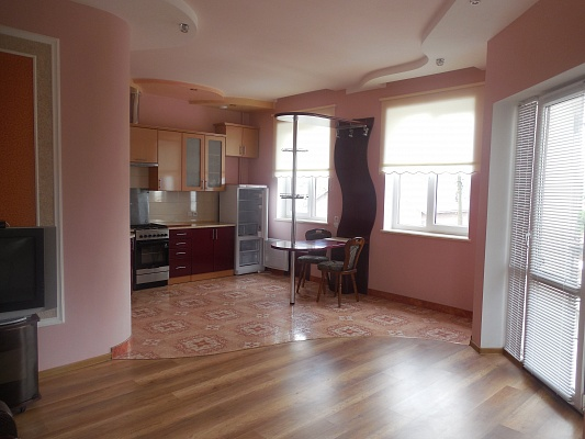 2-комнатная квартира посуточно в Трускавце. ул. Помирецкая, 15. Фото 1