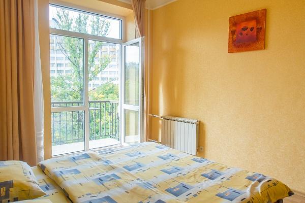 2-комнатная квартира посуточно в Киеве. Печерский район, б-р Леси Украинки, 8. Фото 1