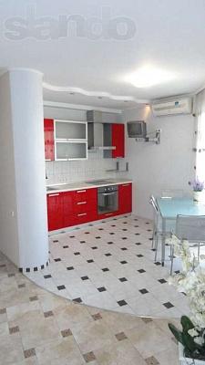 3-комнатная квартира посуточно в Днепропетровске. Индустриальный район, ул. Щербины, 4. Фото 1
