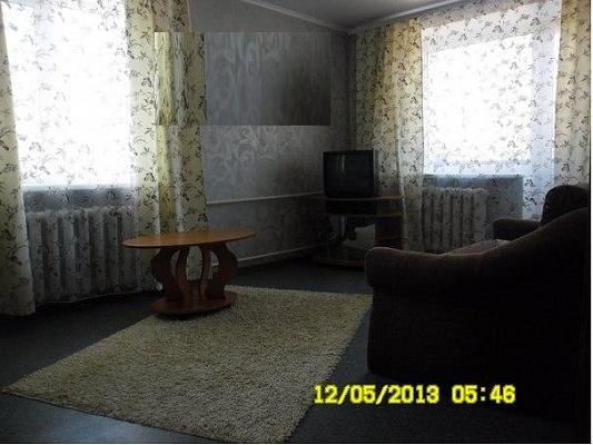 1-комнатная квартира посуточно в Кременчуге. ул. Пролетарская, 12. Фото 1