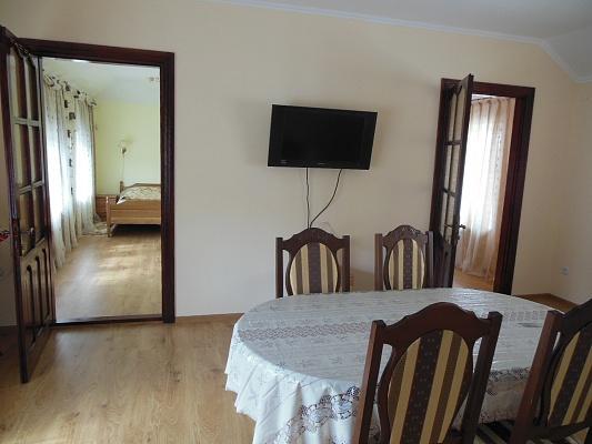 3-комнатная квартира посуточно в Трускавце. ул. Упа, 2б. Фото 1