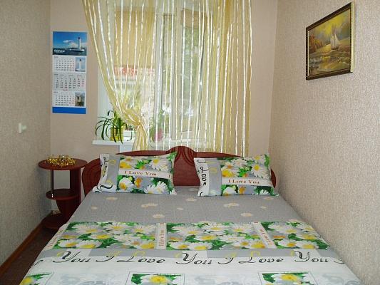 2-комнатная квартира посуточно в Одессе. Приморский район, пр-т Шевченко, 17в. Фото 1