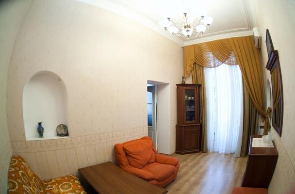 2-комнатная квартира посуточно в Одессе. Приморский район, ул. Гаванная, 6. Фото 1
