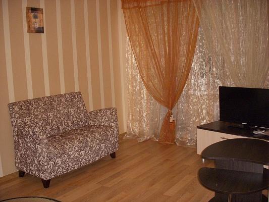 2-комнатная квартира посуточно в Измаиле. пр-т Ленина, 27. Фото 1