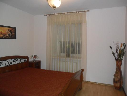 2-комнатная квартира посуточно в Одессе. Приморский район, ул. Дерибасовская, 18. Фото 1
