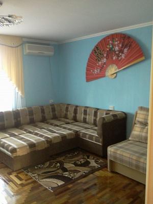 1-комнатная квартира посуточно в Бердянске. ул. Горбенко, 26. Фото 1